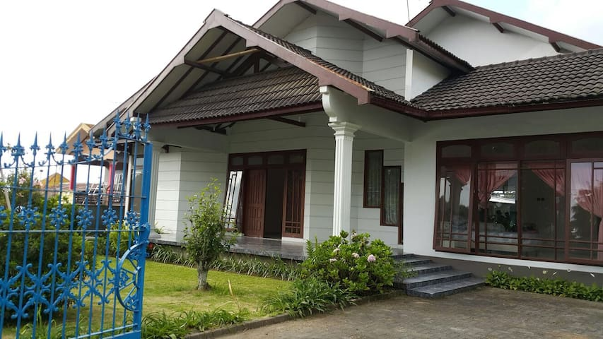 3 bedrooms villa in Tawangmangu