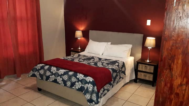 Rand Airport Stay Alberton Room 3