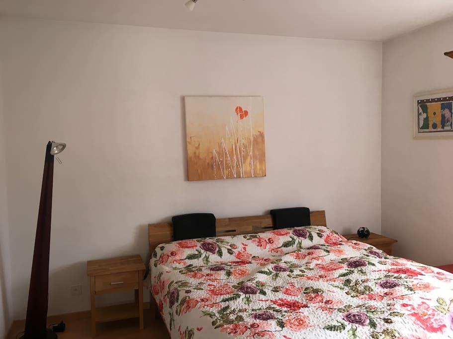 sch ne zweizimmerwohnung mit garten appartamenti in. Black Bedroom Furniture Sets. Home Design Ideas