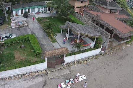 Beachfront House 4 Bedroom 3 Bath - Santa Elena