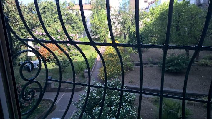 Bilocale sul giardino - Chat Bizarre