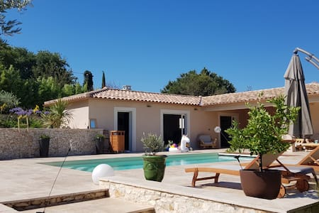Villa with pool, near Uzès, Nîmes and Avignon