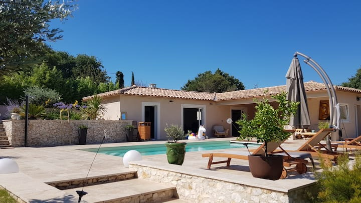 Villa with pool, near Uzès, Nîmes and Avignon