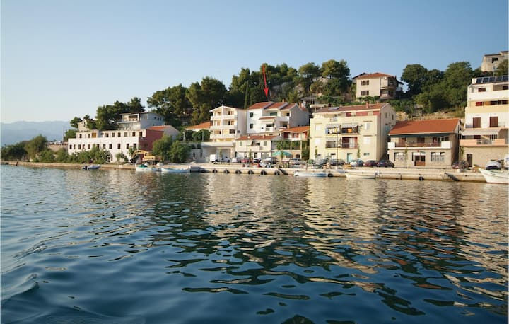 Beautiful home in Novigrad with WiFi and 1 Bedrooms