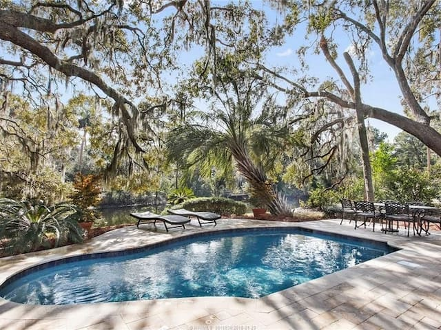Pool at 35 South Sea Pines
