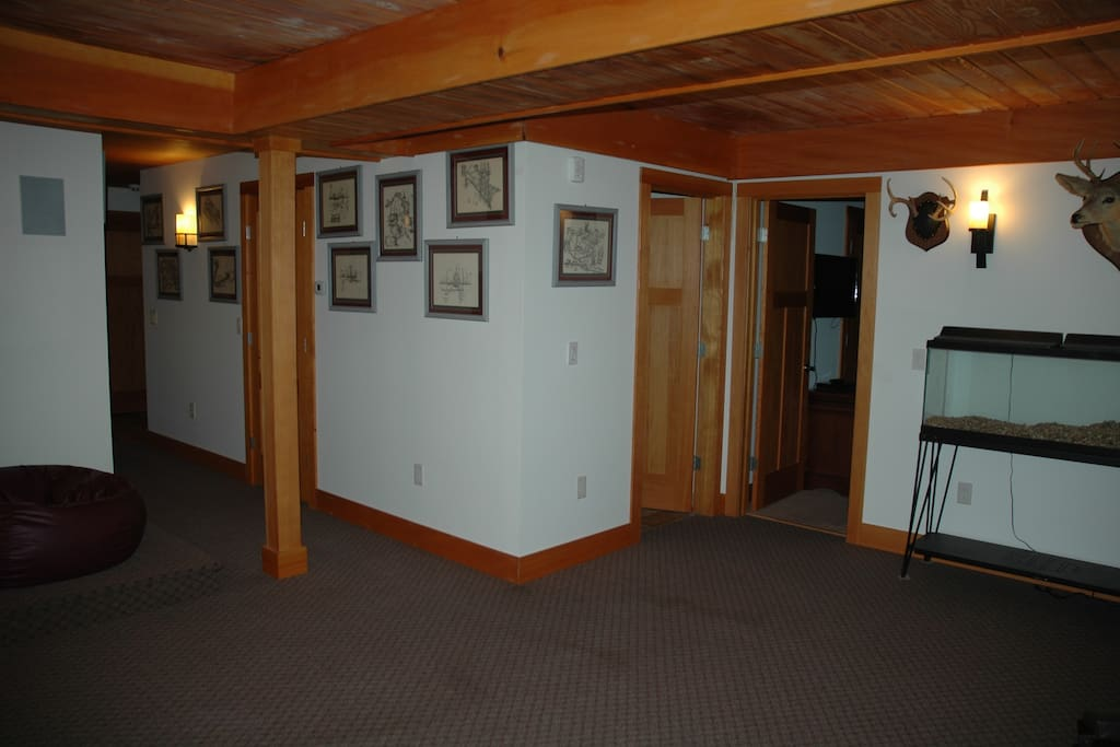 Common area looking toward bath, Hallway  and East Bedroom