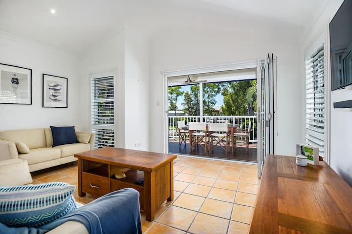 Exquisite Duplex Located Along Noosa River