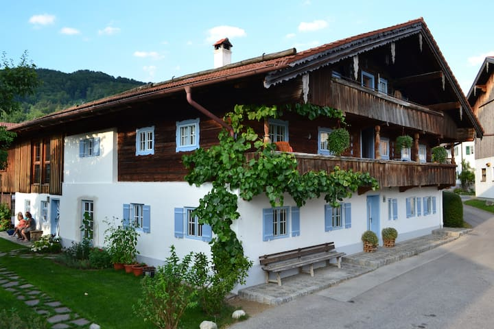 Cozy Apartment in old Farmhouse - Nußdorf am Inn - Flat