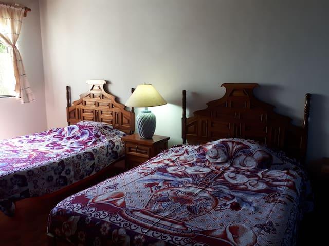 Bed & Breakfast, Temixco, Morelos, cuarto azul.