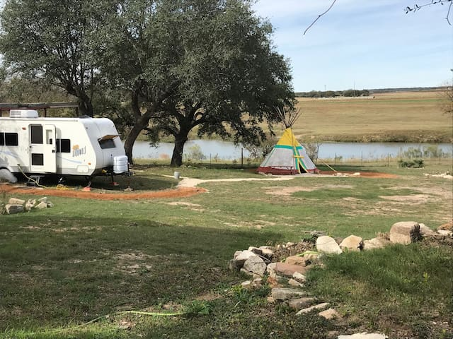 Pedernales River Tipi and campgrounds