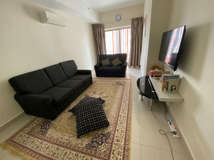 Walking Distance to Royal Mosque 3BR Apartment