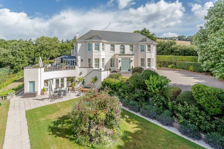 Staverton Manor Apartment with heated indoor pool