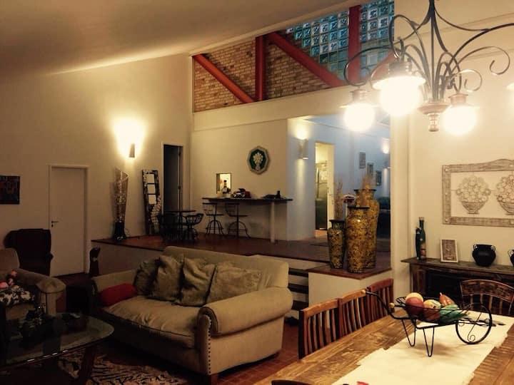 Casa em condomínio parque dos eucaliptos Itaipava.