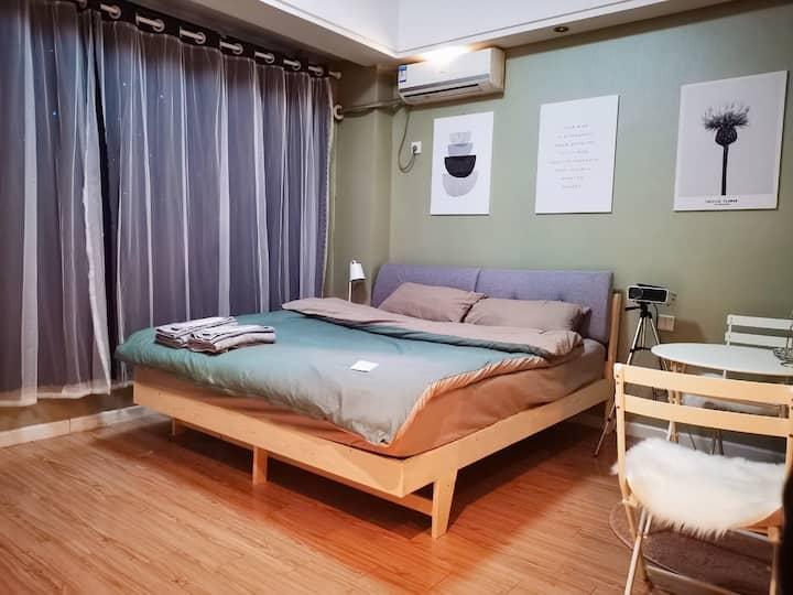 云龙湖 地铁口 浪漫简约独立公寓