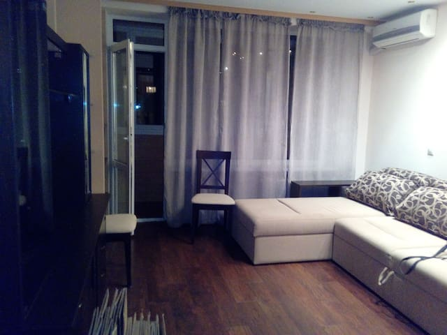 Good room in the modern flat - Kiev - Apartamento