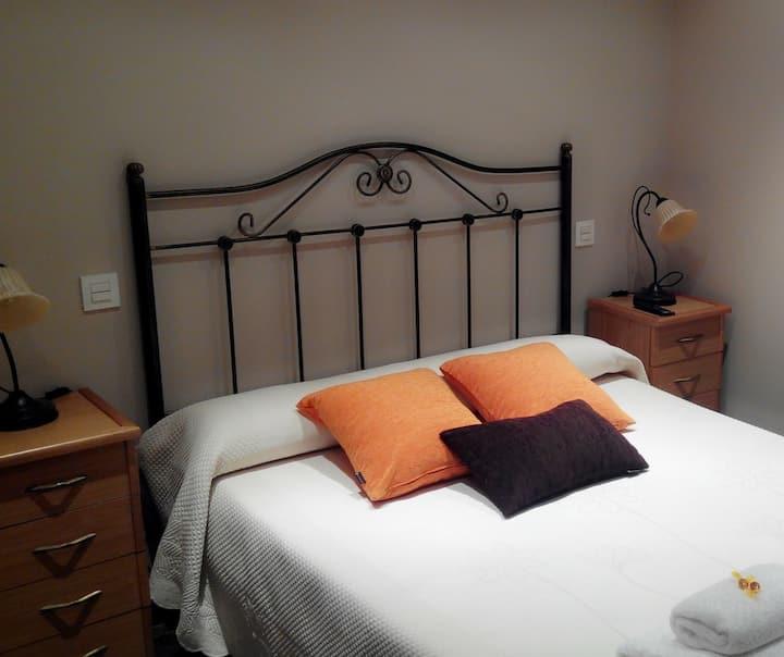 Habitación en los Arribes del Duero (Naranja)
