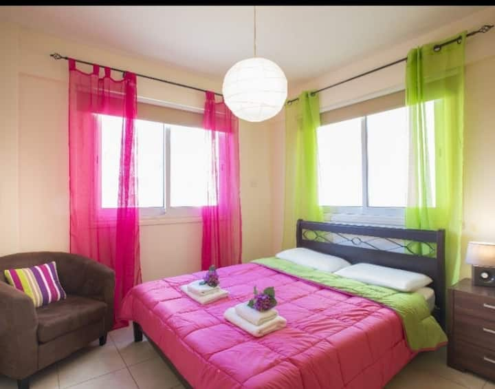 Clean apt close to the best tourist area of makezy