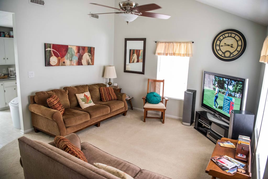 "Cathedral Ceiling Living Room / 58"" Plasma TV / AM/FM Theater System / Remote Ceiling Fan & Dimming Light"