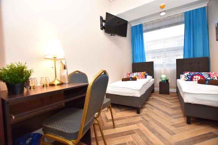 DUKES Apartments - studio z widokiem na deptak /FV