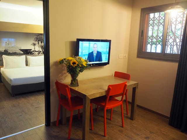 Economy One Bedroom flat @ Ben Yehuda Apartments