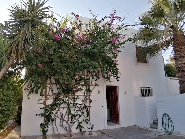 Yvi´s Greek House - 5 min. to the beach!