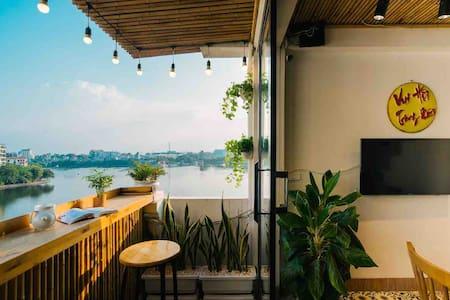 The Autumn Homestay-LAKE VIEW room cozy /w balcony