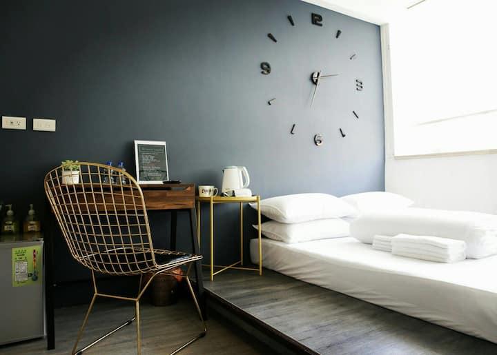 淡水雙人房{Venice} 。絕美設計公寓。24小時 自助式入住
