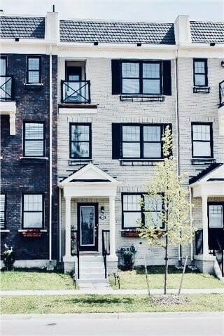 New Stouffville home minutes from everything