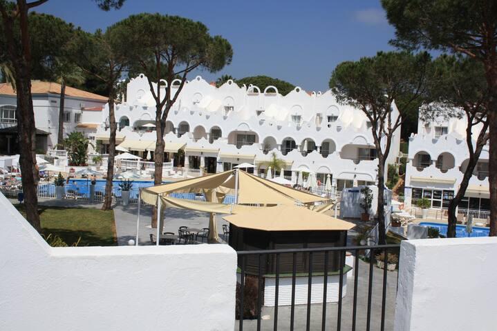 The perfect base near Cabopino, Marbella - Marbella - Appartement