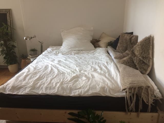 Cozy room in the heart of Berlin (Neukölln)