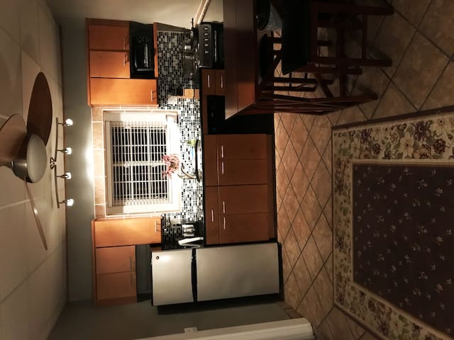 Lovely Studio Apartment close to UNC campus