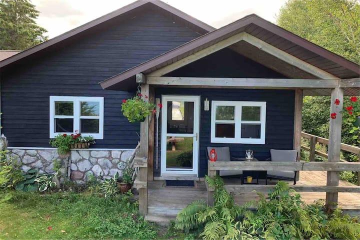 Charming Year Round Lake Superior Beach Cottage