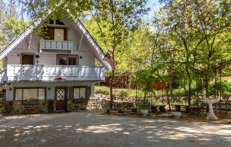 Yosemite Garden House
