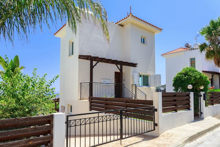 Villa Elias - 2 Bedrooms - Private Pool & Hot Tub