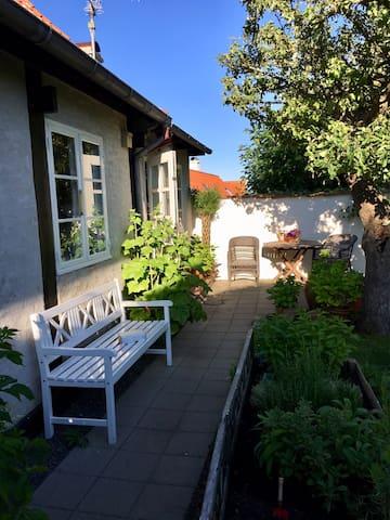 Dejligt byhus i Svaneke.