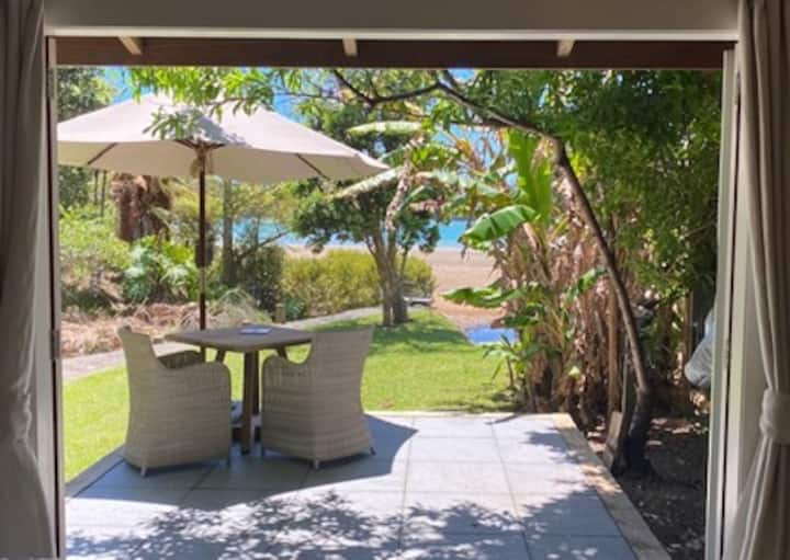 Tui Cottage, by the Sea