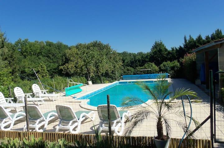 Villa de 2 chambres à Fossemagne, avec piscine privée, jardin aménagé et WiFi