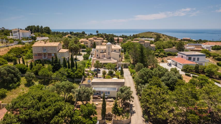Huge private 20 persons family Quinta
