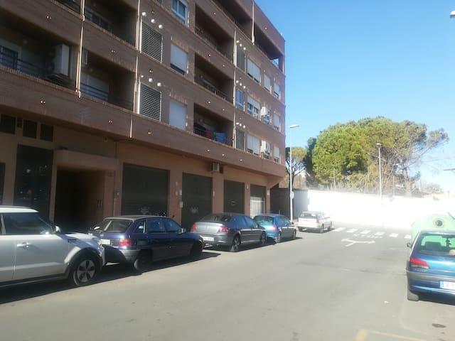 Bonito apartamento Burjassot, Valencia. Con WiFi.