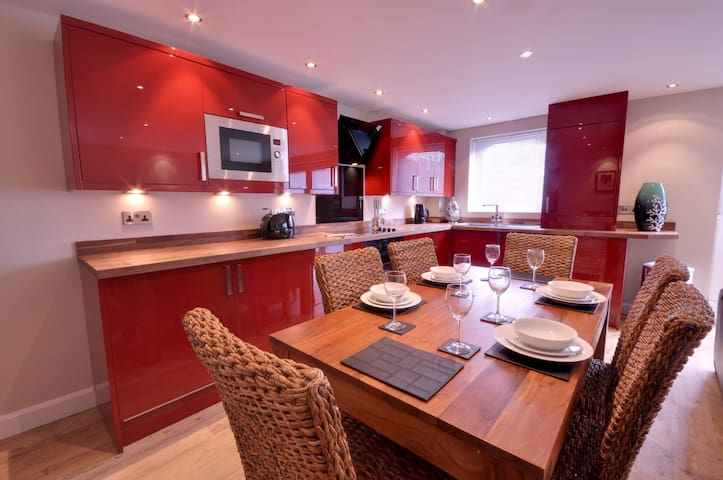 4 Sandcastles - Sandbanks, Poole - Apartment