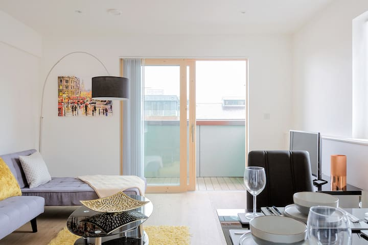 Bright and Modern Flat in the Heart of Shoreditch