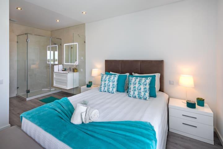 Villa Juliaga 4 Bedrooms -Near Vilamoura