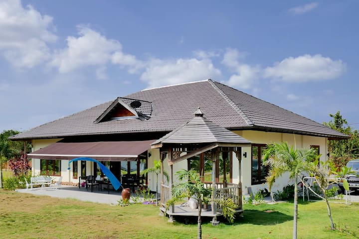 family villa fully equipped, Center of Langkawi - Langkawi