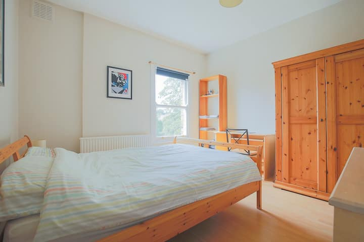 Beautiful Double room in private flat