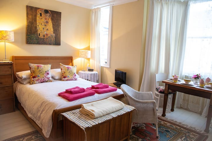 Luxury rooms with breakfast very close to Minster