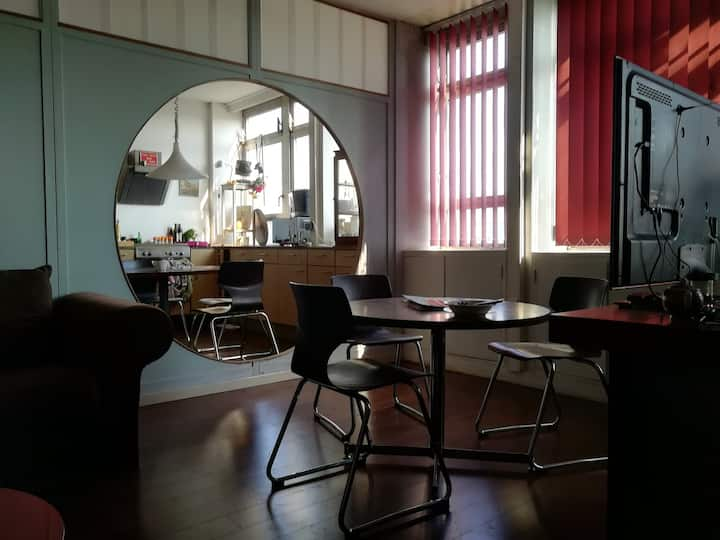 ROOM 410 - ROCKERILL (accueil 3-6pl) Charleroi