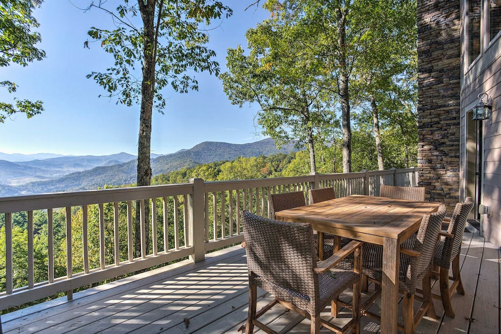 This home places you minutes from outdoor activities and Smoky Mountain towns!