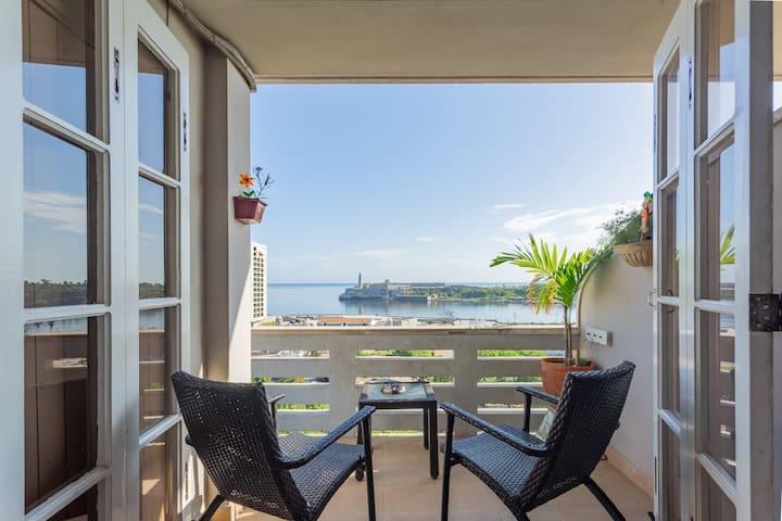 VISTALMORRO a luxury view in Old Havana