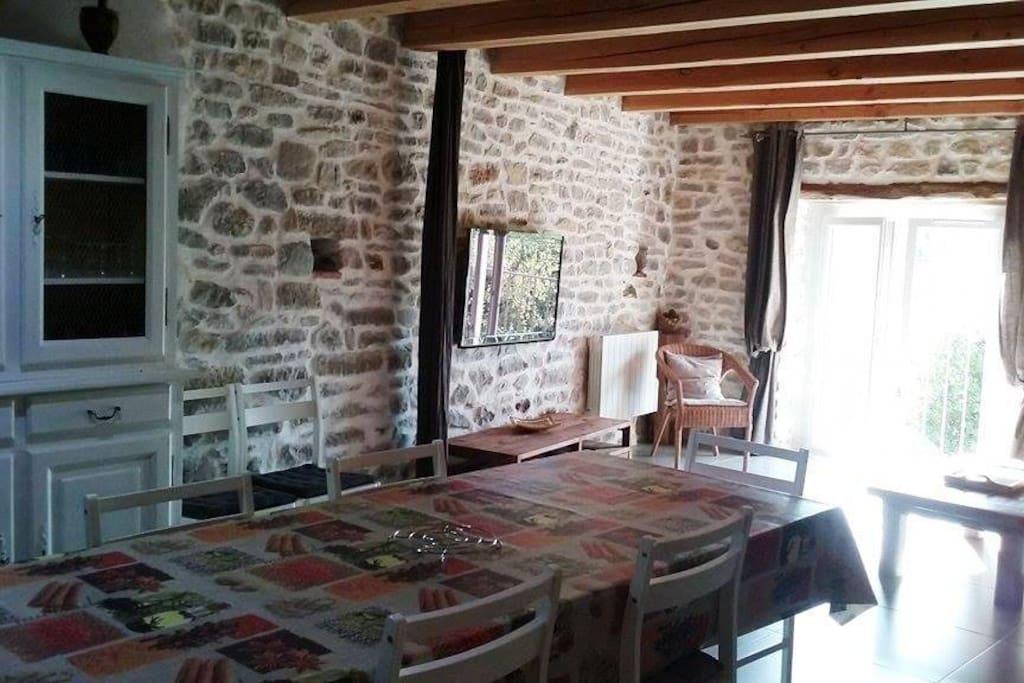 """grande table """"monastère"""" pour 10 personnes"""