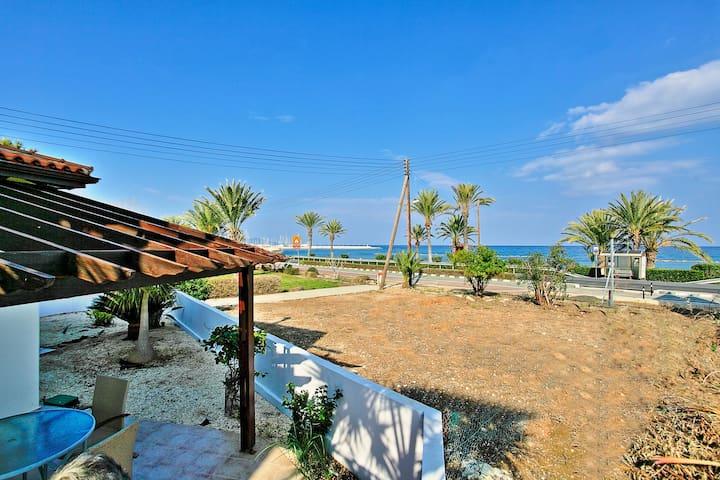 Latchi Beach Apartment: Near beach, sea views, A/C